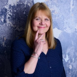 Dr. Maria Hoffacker