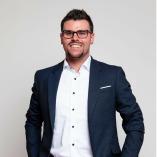 FiNUM.Private Finance AG - Kenny Pötschke
