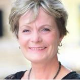 Finanz- Versicherungsmaklerin Birgit Zerjatke
